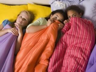 Dormir fora: as crianças precisam saber que contam com os pais caso algo dê errado