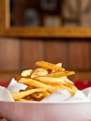 Como petisco ou para acompanhar pratos, é impossível resistir a batatinhas fritas
