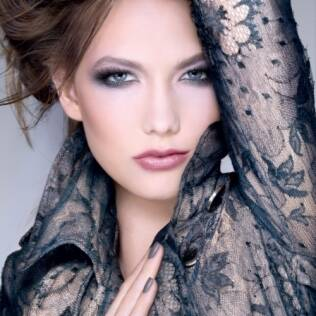 Proposta da Dior para as unhas: o cinza Gris Montaigne por Tyen