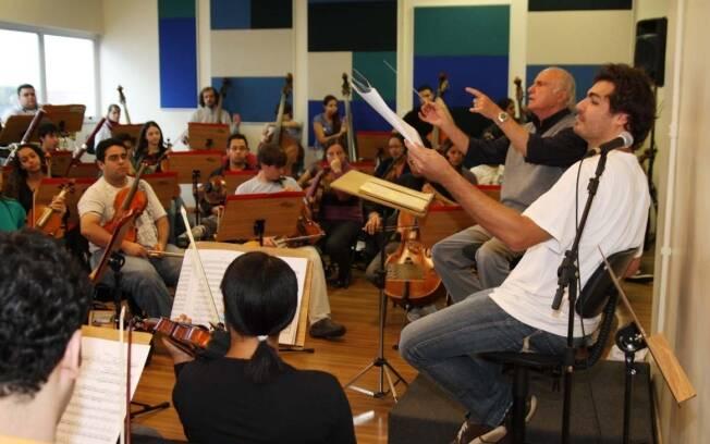 Thiago Lacerda e o maestro maestro Isaac Karabtchevsky