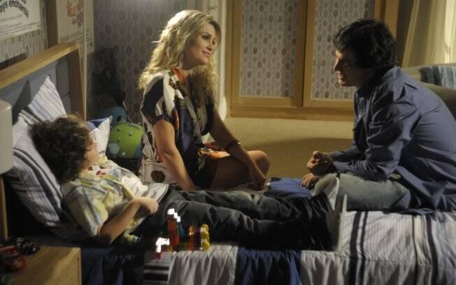 Ícaro, Naomi e Rafael comemoram a reaproximação da família
