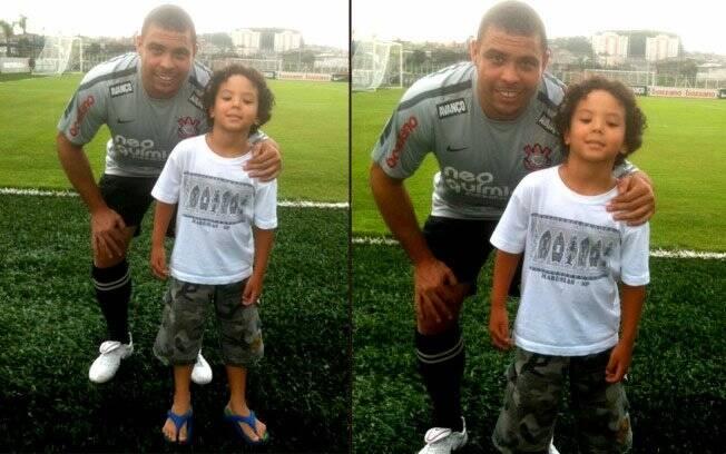 Ronaldo e Alex no campo de treinamento do Cortinthians, nesta quinta-feira (20)