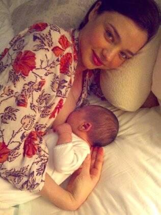 Miranda Kerr e seu bebê Flynn