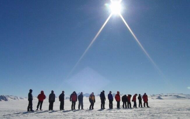 Maratonistas enfrentam frio na Antártica