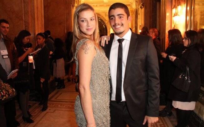 Luana Piovani e Pedro Vianna: vivendo sob o mesmo teto