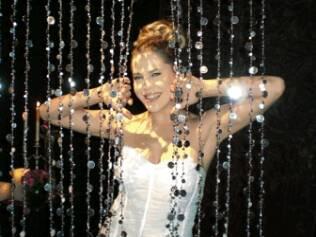 Barbara Paz como Maria, protagonista de novela do SBT