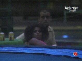 Diogo e Janaina acham que comportamento de Paula é para chamar a atenção