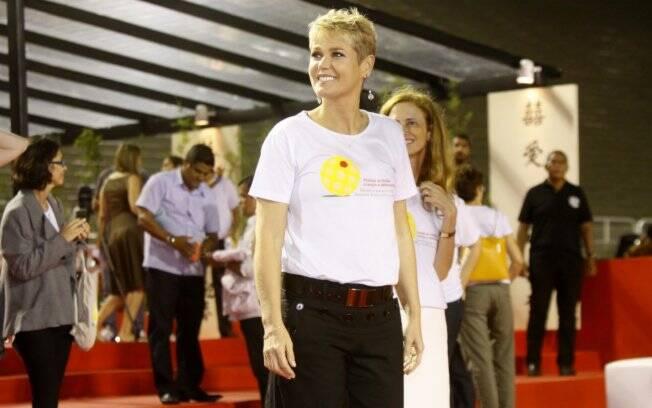 Xuxa ficou emocionada com a homenagem