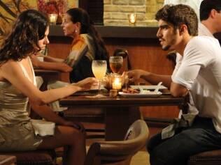 Marcela e Edgar brigam em