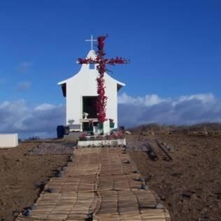 Capelinha em Fernando de Noronha, onde Chris Ayrosa realizou um casamento