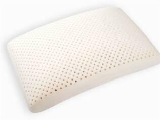 Os travesseiros de látex são bastante confortáveis e possuem toque aveludado