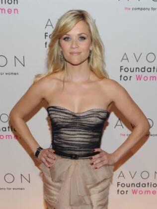Desde de 2007 Reese Witherspoon é a embaixatriz oficial dos cosméticos Avon
