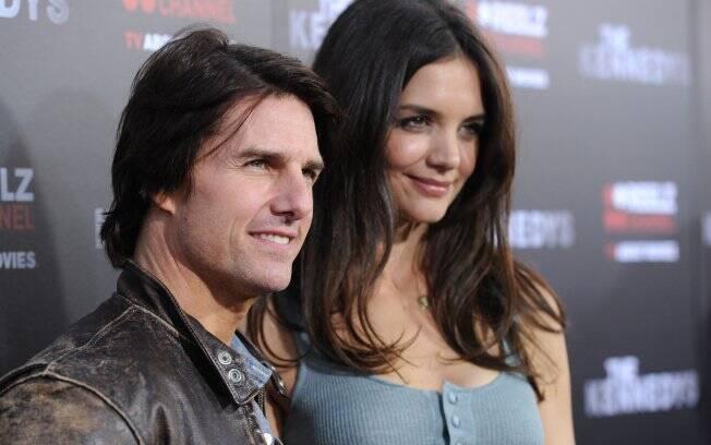 Tom Cruise e Katie Holmes na première da minissérie