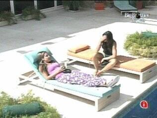 As sisters conversam sobre a chegada de Adriana e Wesley no jogo