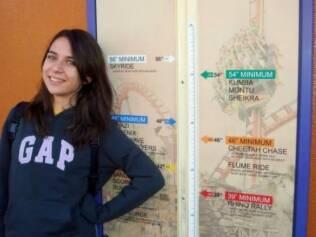 Aline nos EUA: ela viajou sozinha pela primeira vez aos 16 anos e surpreendeu a mãe com capacidade de se organizar e cooperar com os colegas