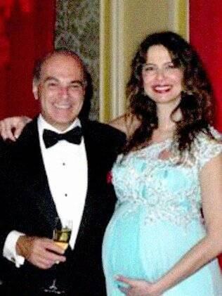 Luciana Gimenez grávida com seu marido Marcelo