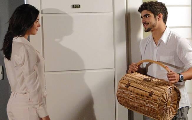 Edgar convida Marcela para um passeio no parque