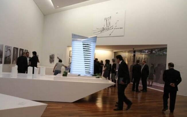 Durante o lançamento do residencial Vitra, a construtora JHSF criou uma exposição com a trajetória do arquiteto americano Daniel Libeskind, responsável pelo projeto