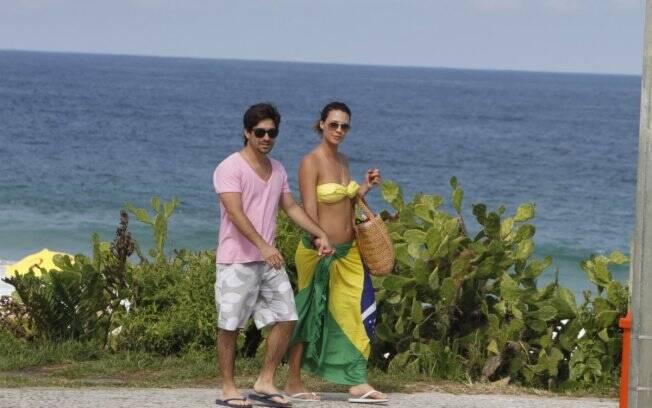 O casal deixou a praia no fim da tarde