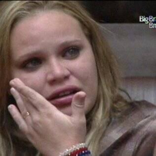 Paula chora depois de votação