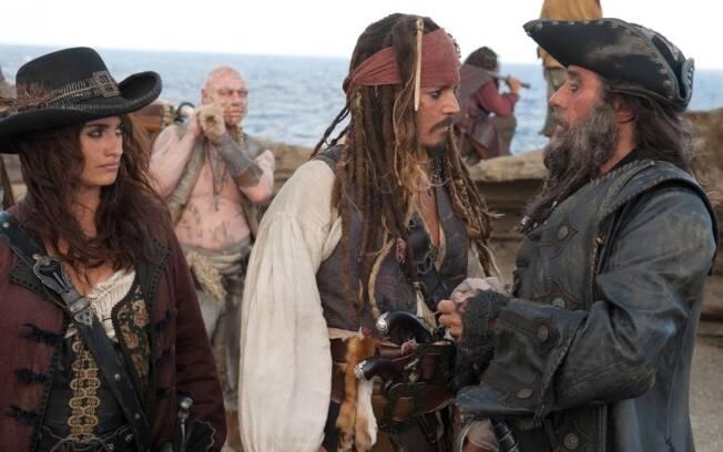 Penélope Cruz, Johnny Depp e Ian McShane em