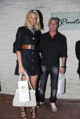 ce4ed06724f8e ...  span Ana Hickmann é casada desde 1998 com o empresário Alexandre  Corrêa   ...