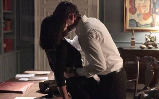 Insensato Coração: Léo e Norma se beijam