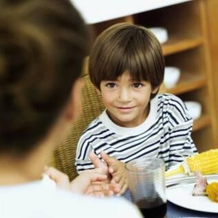 Comportamento da mãe em relação à alimentação: influência duradoura