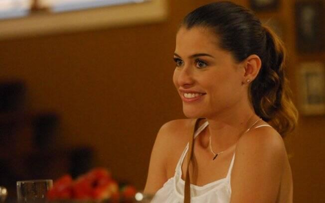 Luciana (Alinne Moraes) em