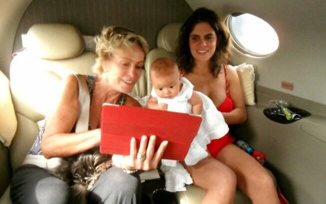 Ana Maria Braga com Joana e Mariana