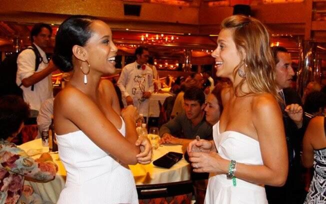 Taís Araújo e Carolina Dieckmann: atrizes estão de férias da televisão