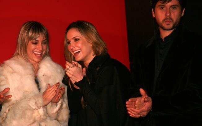 Claudia Leitte entre a arquiteta Karina Afonso e o amado Marcio Pedreira.