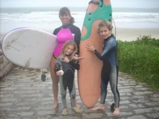 O surfe também faz parte das atividades e do lazer da família Rabolini