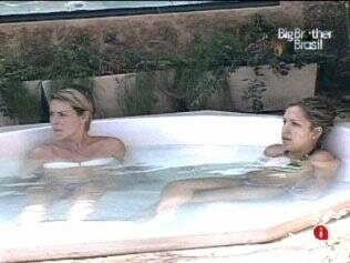 Diana e Nati ficam na hidromassagem