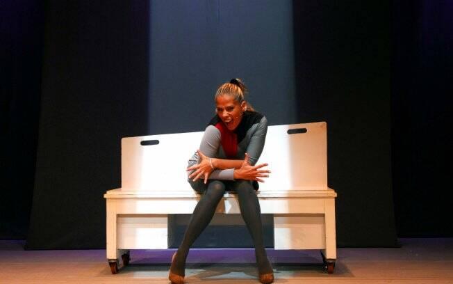 Adriane Galisteu está em cartaz com a peça