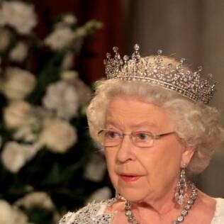 Qual será a tiara que Elizabeth II dará a Kate Middleton?