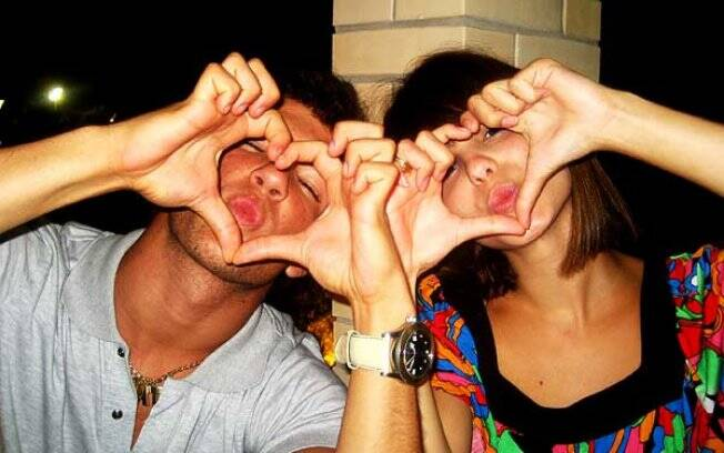 O jogador Alexandre Pato e a atriz Sthefany Brito no auge da paixão