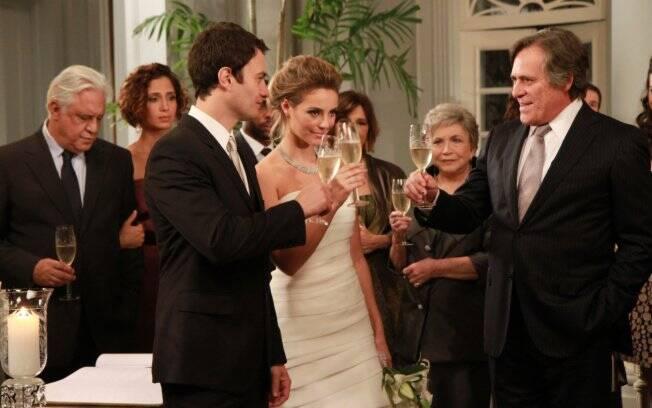 O brinde do casamento de Marina e Leo em