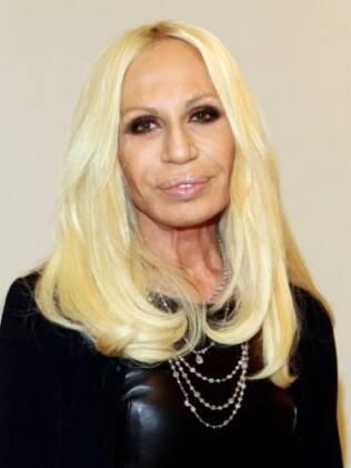 Donatella Versace foi considerada uma das pessoas mais feias do mundo