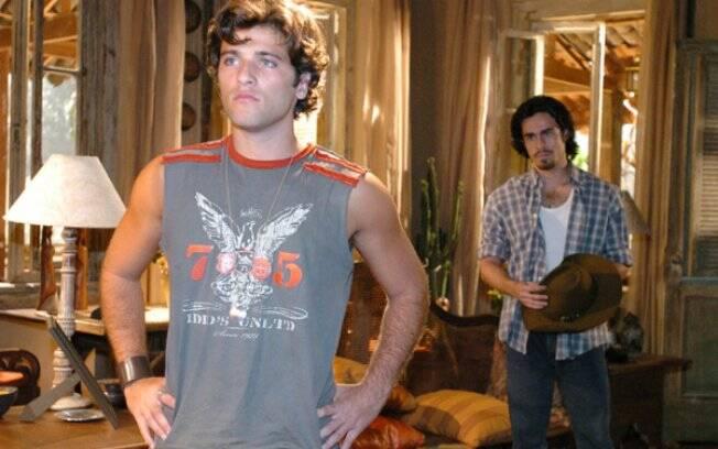 Júnior (Bruno Gagliasso) e Zeca (Erom Cordeiro) em