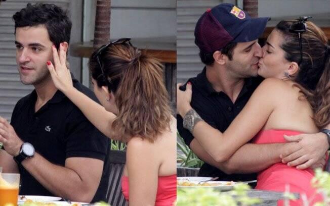 Mayana Neiva e Rodrigo Lopez almoçaram em um restaurante, na Barra da Tijuca, e trocaram beijos