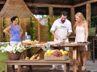 Convidados se divertem no primeiro programa de 2011