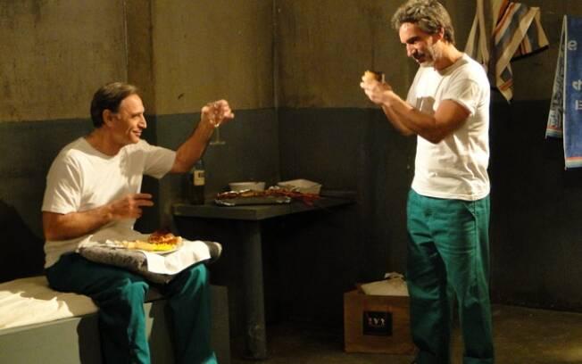 Cortez comeu lagosta e bebeu vinho na cadeia