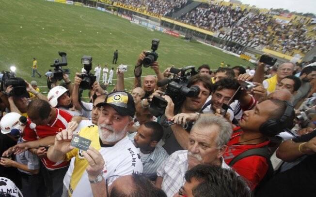 Lula faz discurso e maratona de entrevistas em jogo do Corinthians ... 8bb03539d688c
