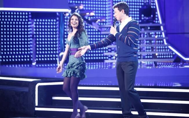 Paula Fernandes com Rodrigo Faro, no palco do