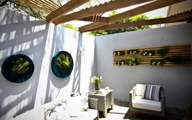 jardim vertical bambu:dois jardins verticais em seu ambiente. No primeiro uniu bambu