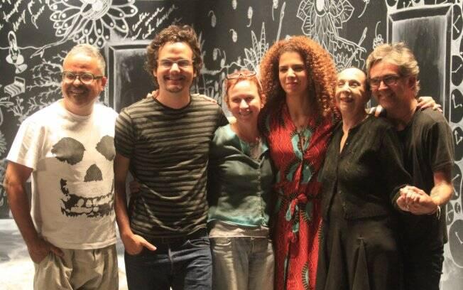 O estilista Ronaldo Fraga, Wagner Moura, a coreógrafa Marcia Rubin, Vanessa da Mata, e a bailarina Marilena Ansaldi
