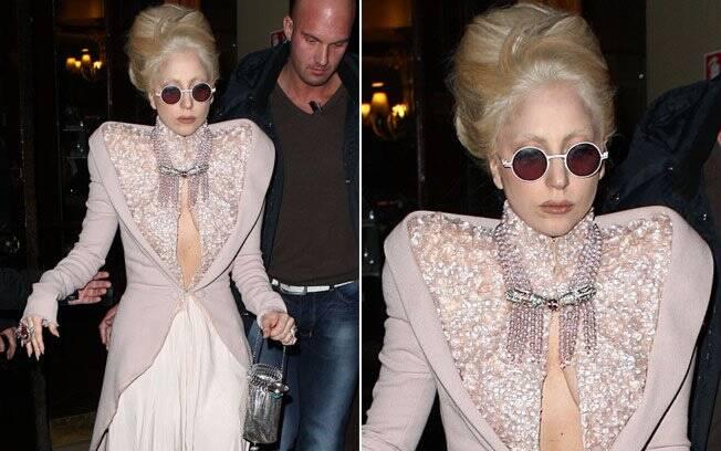 Lady Gaga: adepta dos óculos redondinhos imortalizados por John Lennon