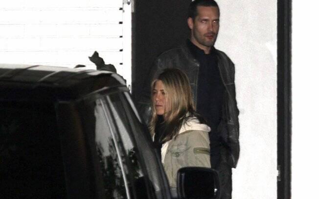 Jennifer Aniston e Brian Bouma durante o romance
