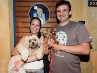 Daniel e Eliane mudaram de casa para ficarem mais próximos à creche dos cachorros
